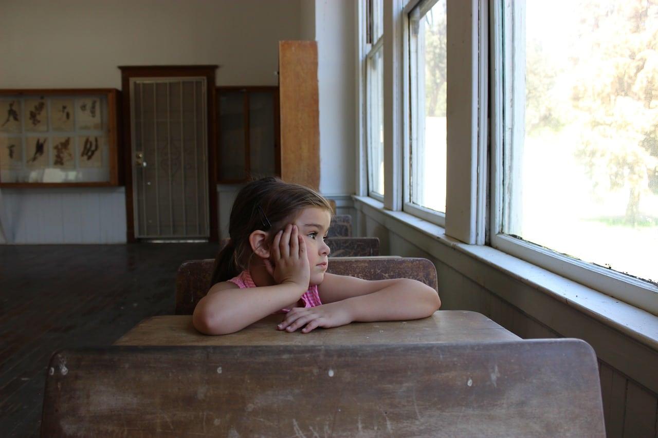 enfant-reveur-a-l-ecole-effet-pygmalion-dans-les-apprentissages