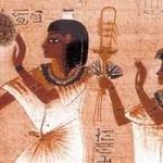 pretre-egyptien-manque-de-confiance-aux-jeunes